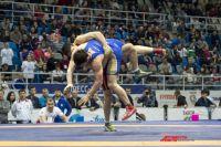 Лучший борец турнира получил 300 тысяч рублей.