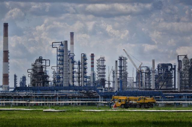 Омский нефтезавод - крупнейший налогоплательщик.