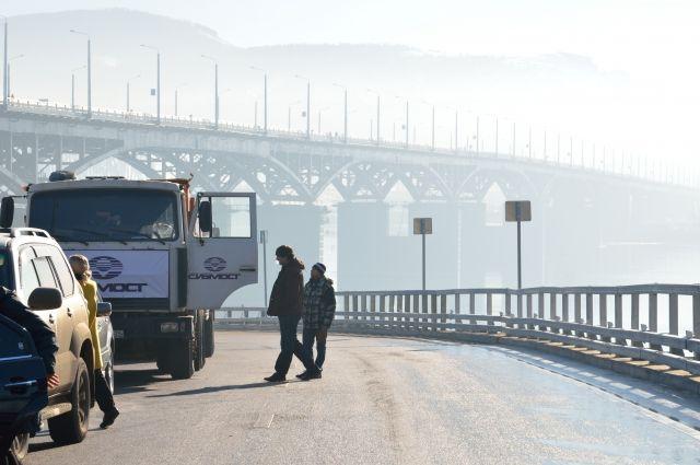 При необходимости мосты испытают с помощью специальных приборов.