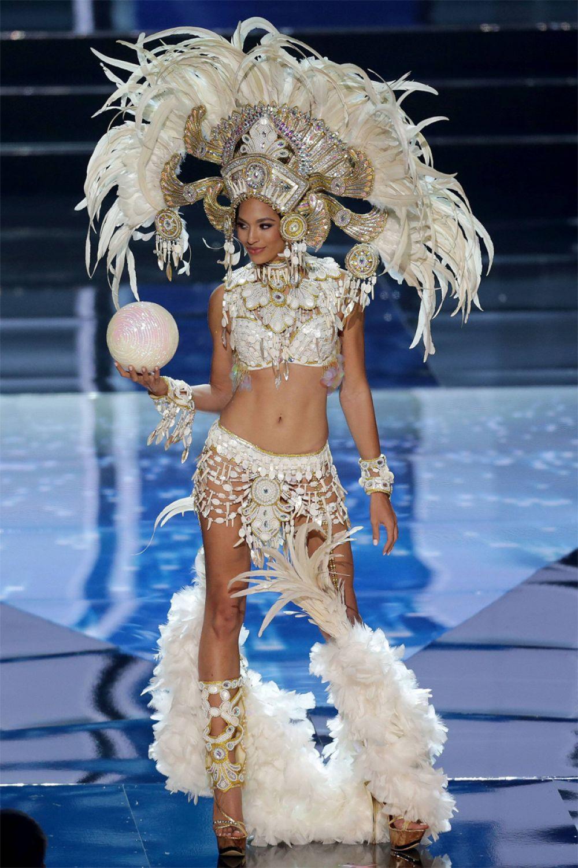 Первая вице-мисс Вселенной Ракель Пелисье (Гаити).