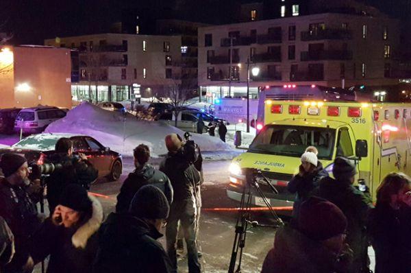 СМИ сообщают о троих неизвестных, которые открыли стрельбу. По последней информации, правоохранители задержали двоих подозреваемых.