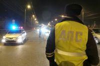 Сотрудники ГИБДД предупреждают быть внимательными на дороге в темное время суток.