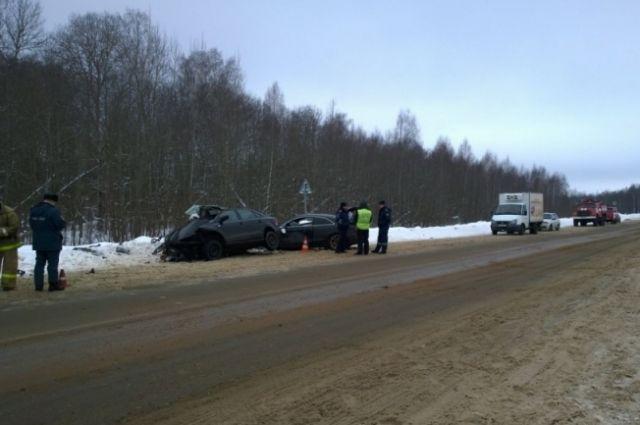 ВЯрославской области из-за ДТП погибли 4 человека