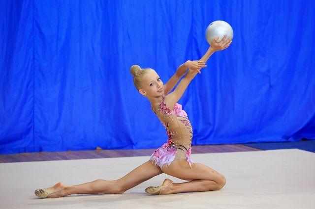 Анастасия Безрукова вошла в юниорский состав сборной России по художественной гимнастике.
