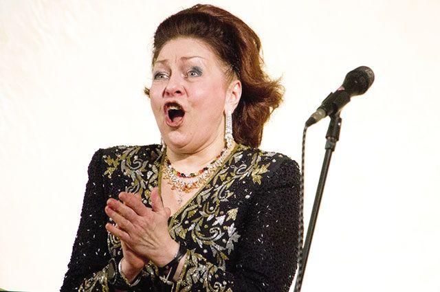 Оперным певцам микрофон ни к чему - прекрасный голос услышит каждый.
