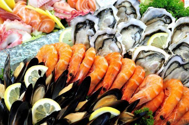 Пластик попадает в морепродукты вместе с водой из-за загрязнения мирового океана