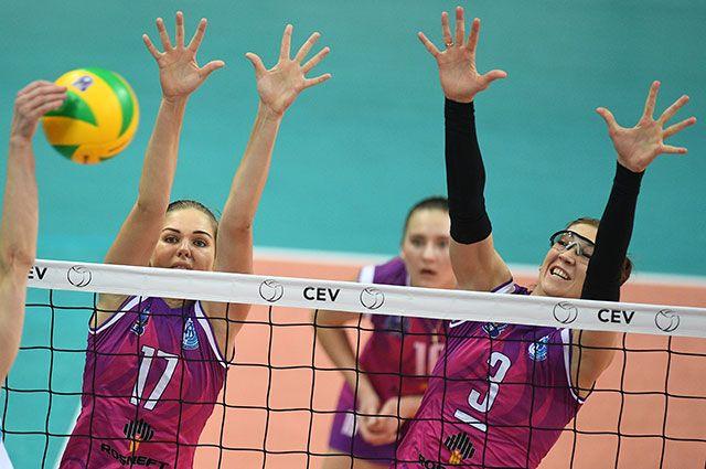 Игроки краснодарского «Динамо» Наталья Малых и Мария Перепёлкина (слева направо).