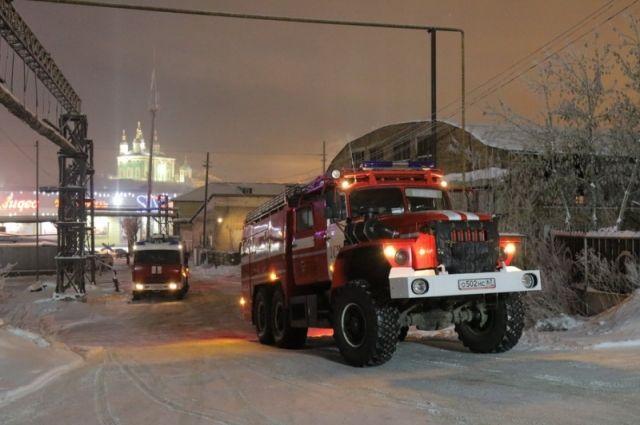 ВСмоленске наулице Розы Люксембург гасят сверепый пожар