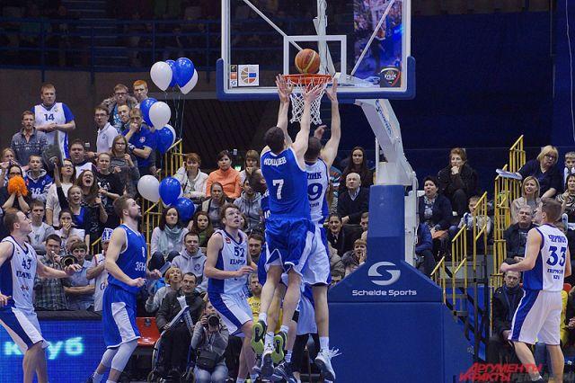Пермский баскетбольный клуб «Парма» подписал договор случшим защитником чемпионата Швеции