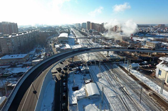 Сбылась мечта щербинских автомобилистов: железную дорогу теперь можно пересечь по воздуху.