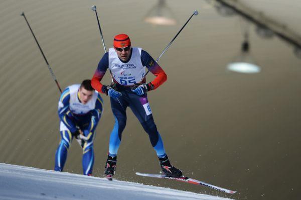 Кирилл Михайлов — заслуженный мастер спорта России, выигравший золото в лыжных гонках и биатлоне на олимпиаде в Сочи.