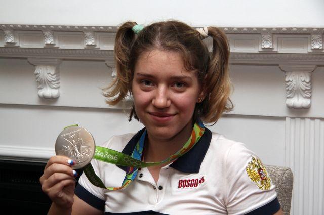 Виталина Бацарашкина на Олимпиаде в Рио-де-Жанейро стала серебряным призёром.