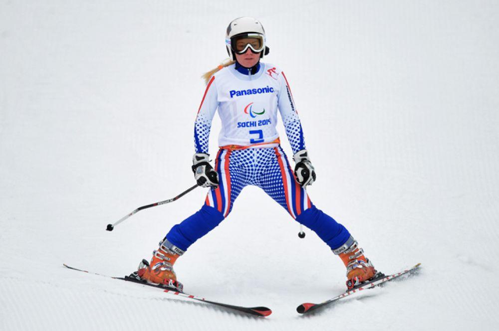 Александра Францева — горнолыжница, выступающая в классе спортсменов с нарушением зрения. Двукратная паралимпийская чемпионка и многократный призёр Паралимпийских игр 2014.