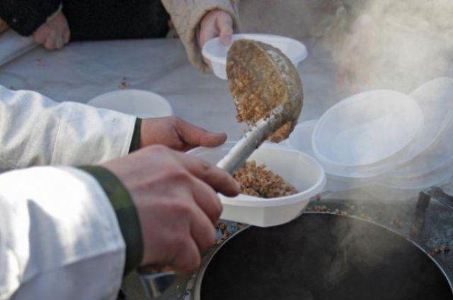 В Авдеевке разворачивают четыре полевые кухни и палатки для обогрева