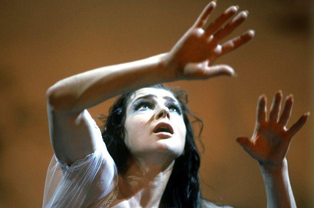 Екатерина Максимова в роли Жизели из одноименного балета А. Адана, 1971 г.