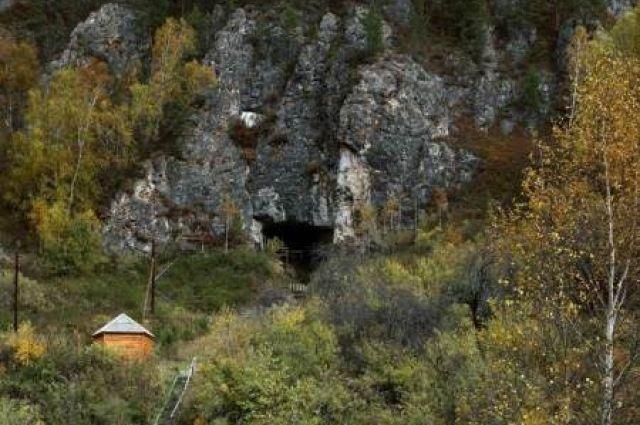 Денисова пещера на Алтае