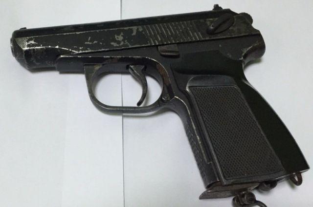 НаМосковском шоссе вСамаре задержаны двое преступников, угрожавшие жертве пистолетом