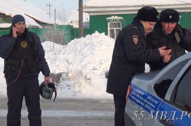 Сотрудники полиции Омска освободили девочку, взятую утром 1 февраля в заложники.