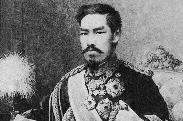 Молодой император Мэйдзи.