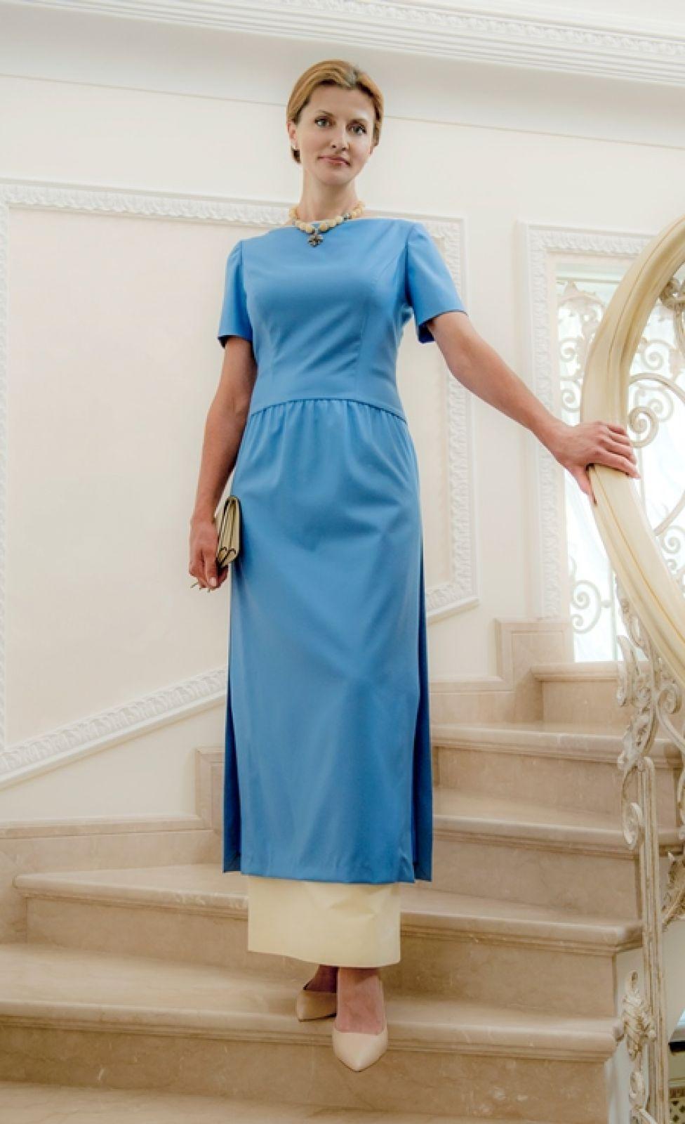 Это платье от известного украинского дизайнера Лилии Пустовит. Очень утонченное