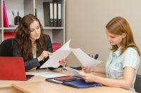 Чем выше позиция в компании у сотрудника, тем скорее он будет задерживаться на работе.