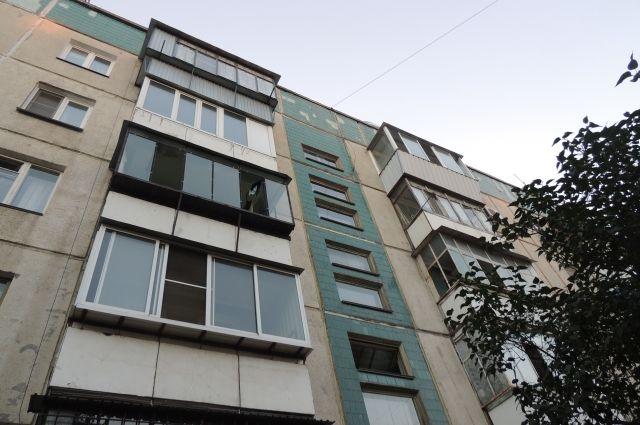 Повешенный мужчина найден налестничной клетке дома вКупчино