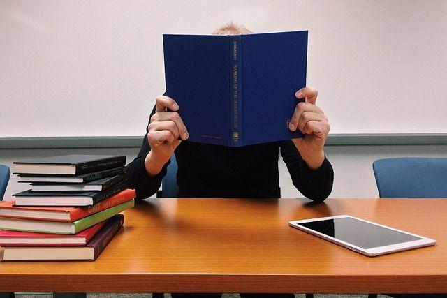 Выдаём за своё Что преподаватели думают о системе Антиплагиат  Не все учащиеся честно подходят к написанию дипломных работ