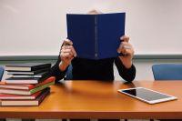 Не все учащиеся честно подходят к написанию дипломных работ.
