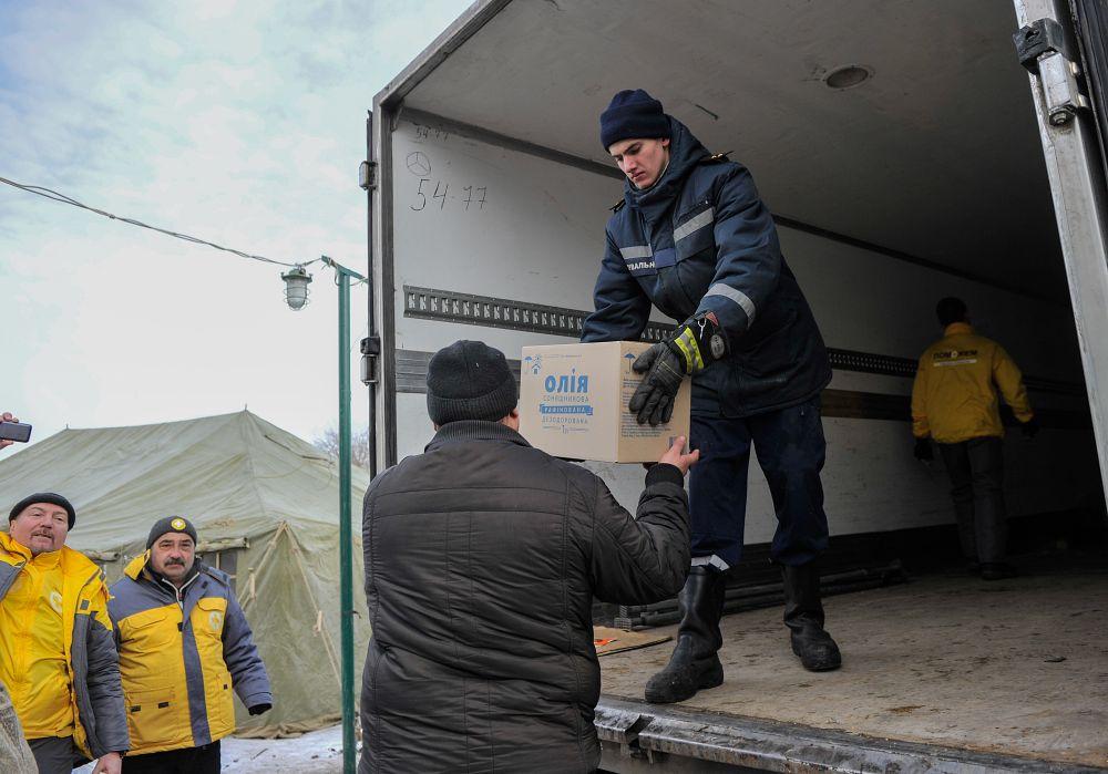 Жителям привезли гуманитарную помощь