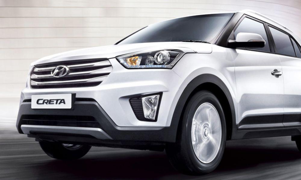 Hyundai Creta только вышел на российский рынок и уже наделал шуму. Автомобиль прекрасно управляется на асфальте и обладает полным приводом для выездов на грунтовки.