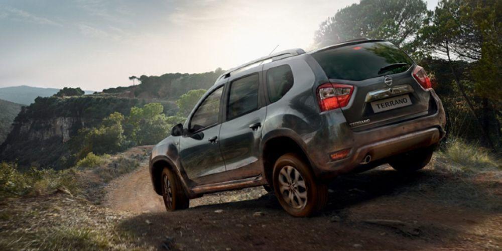 Цена полноприводного автомобиля с 1,6-литровым мотором и 6-ступенчатой механикой начинается от 1 020 000 рублей.