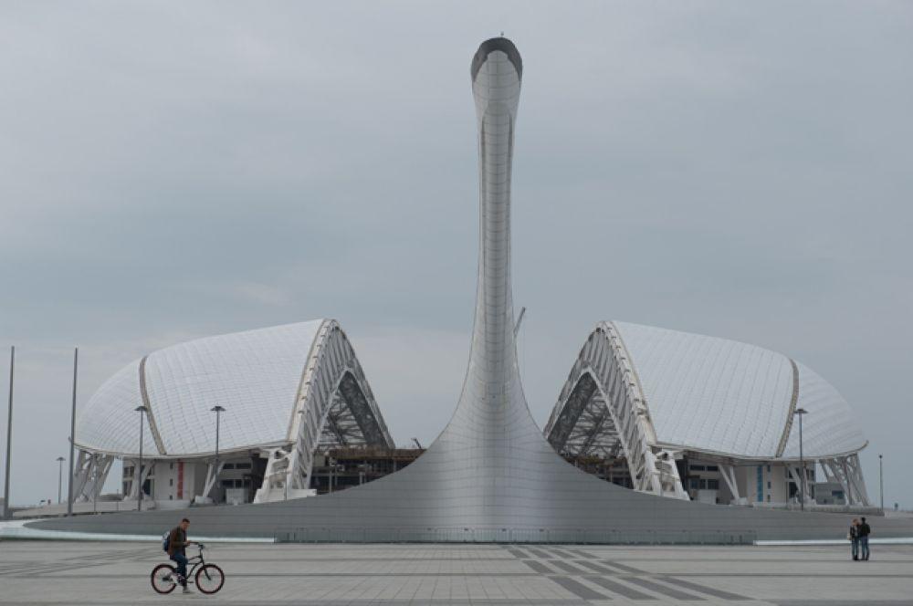Стадион «Фишт» в Сочи, вместимость 44 000 человек. Был построен к XXII зимним Олимпийским играм в Сочи в 2013 году, после чего проходит реконструкцию, которую планируется завершить в 2017 году.
