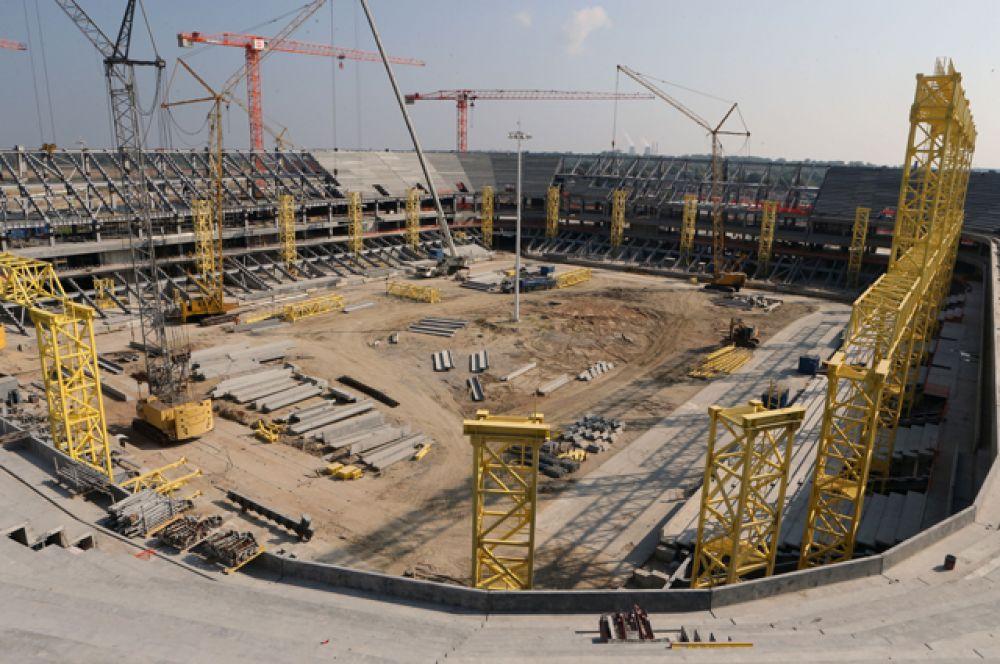 «Стадион Калининград», вместимость 35 015 человек.