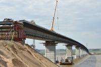 Движение по мосту сейчас действует в бесплатном режиме. Жители Камбарки заинтересованы, чтоб так было и после июля 2017 года.