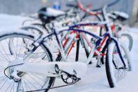 До работы доехать на велосипеде предлагают участники акции.