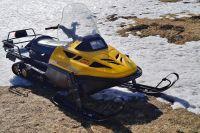 Обвиняемый проезжал мимо остановки на снегоходе.