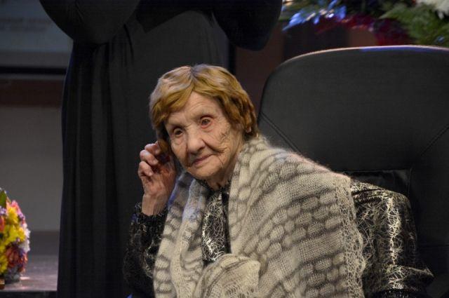 Зоя Булгакова много лет играла роли в детском театре