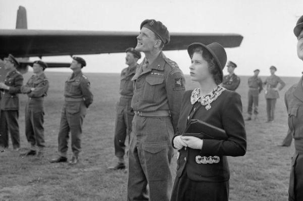 В 1944 она стала одним из пяти «государственных советников» (лица, имеющие право выполнения функций короля в случае его отсутствия или недееспособности).