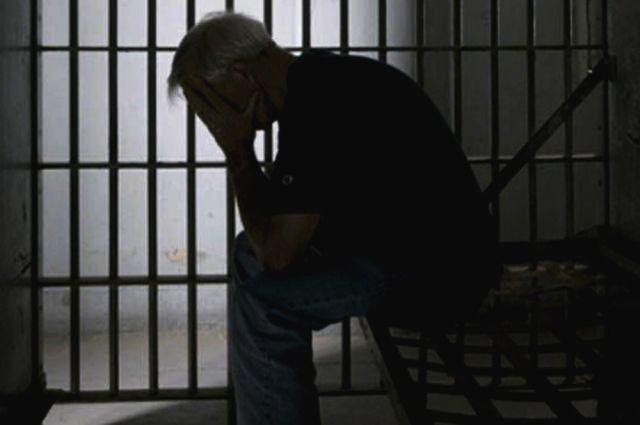 ВоВладимире уголовника состажем будут судить замошенничество