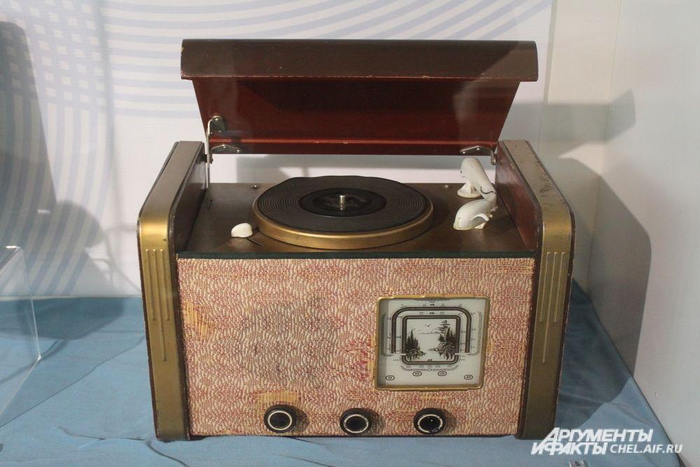 Радиола «Рекорд», 1950-е годы.