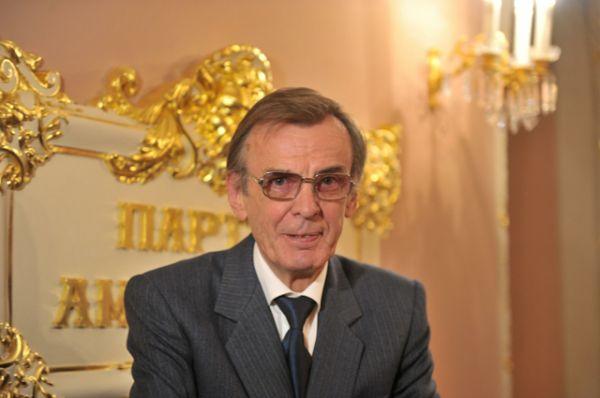 Георгий Тараторкин на церемонии награждения театральной премии «Золотая маска», 2012.