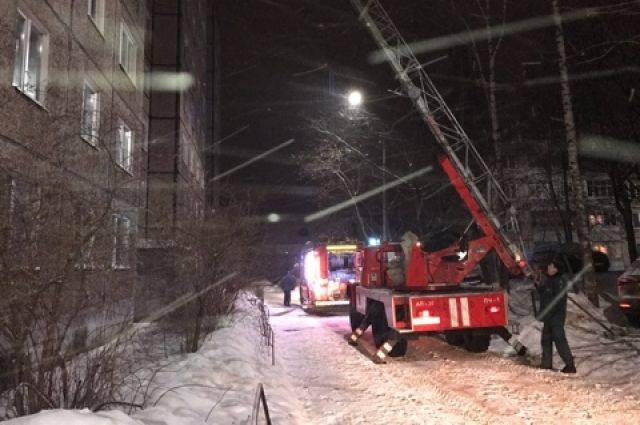 Мужчина умер при пожаре вобщежитии Новосибирска