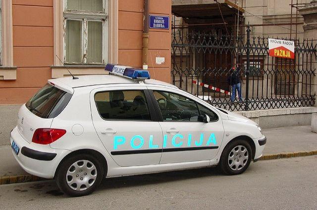 ВСербии 24 человека получили травмы при столкновении поезда иавтобуса