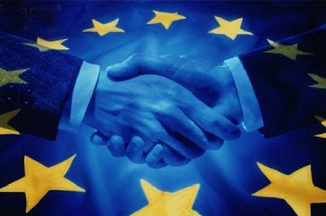 ЕСпродлит санкции против соратников В. Путина