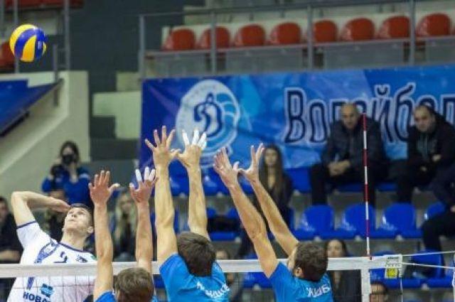 Волейболисты «Динамо Краснодар» навыезде уступили «Нове»