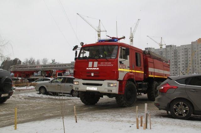 ВБрянске пожарные несмогли подъехать кдому из-за парковки