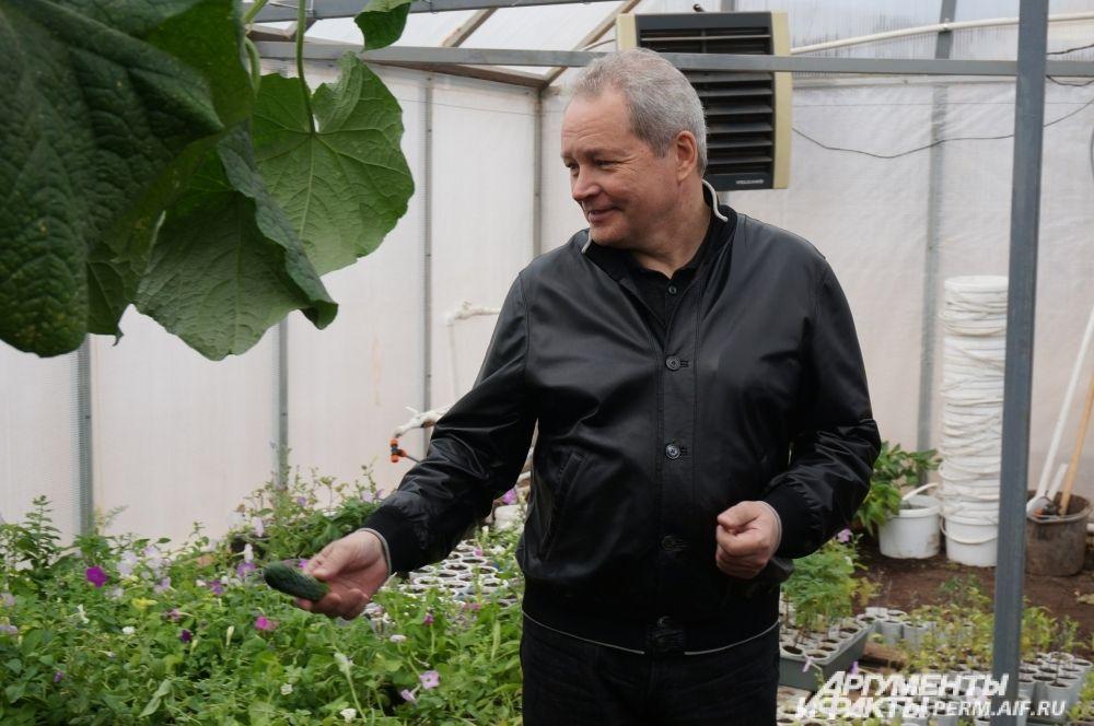 Виктор Басаргин старался поддерживать местные сельскохозяйственные предприятия.