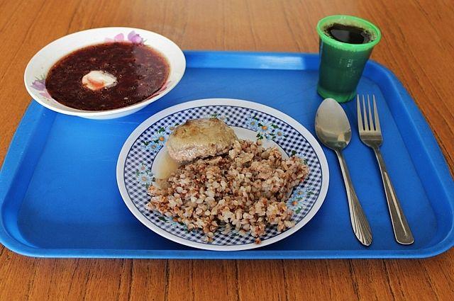 Улучшить качество питания муниципалитеты не могут из-за отсутствия средств в бюджете.