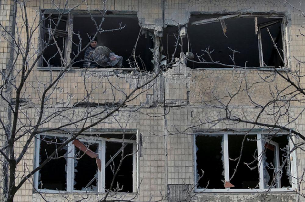 Дома в Авдеевке, поврежденные в результате обстрелов.