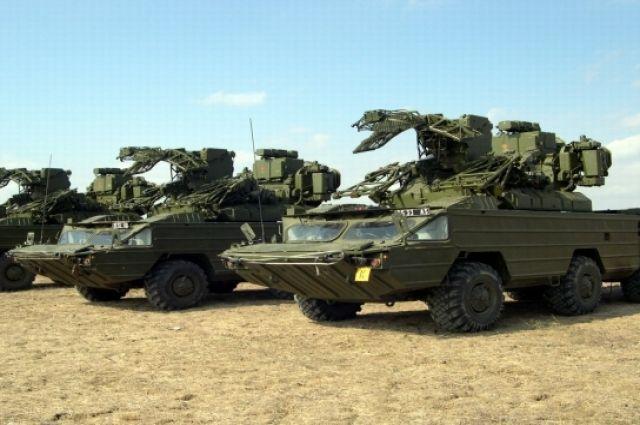 По словам посла, если в начале 1990-х Украина помогала Азербайджану в военной сфере, то сегодня Киев обращается к Баку по вопросу поставок вооружений